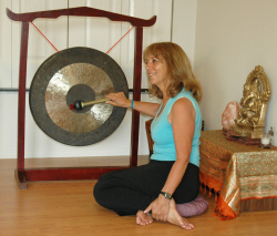 Sedona Yoga & Hiking Retreat Gong Meditation Guided by Johanna Maheshvari Mosca